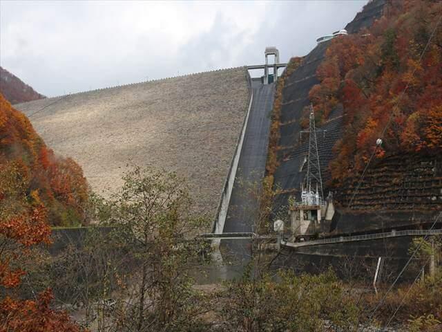 ダムカレー奈良俣ダム