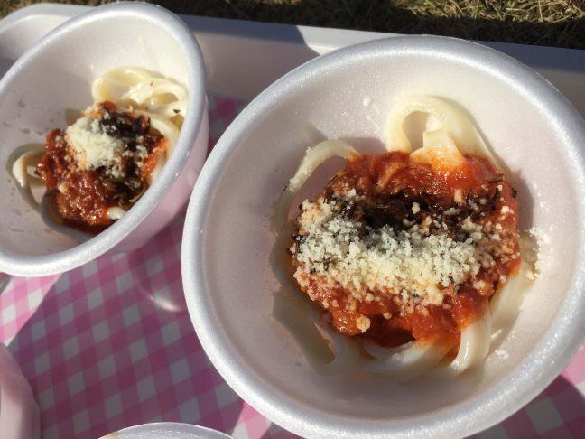 上州麦豚ベーコンと上州牛のトマト味噌煮込み アマトリチャーナ風