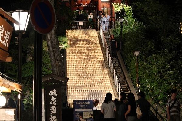 光泉寺の階段キャンドルライトアップ 草津 スイーツ ドリンク