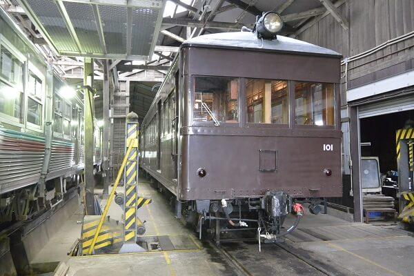 デハ101 電車