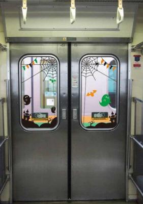 ドアのハロウィンラッピング かぼちゃ電車 115系 ハロウィン