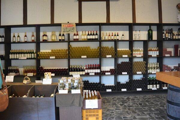 店舗内 ミヤマワイン蔵元直売所 塚田農園 ミヤマワイン 中之条