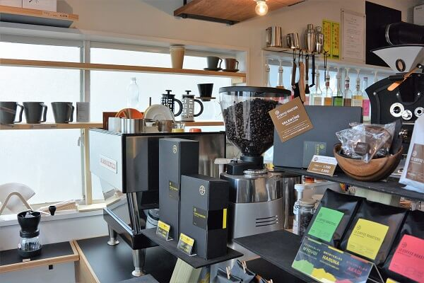 コーヒー 13 COFFEE ROASTERS