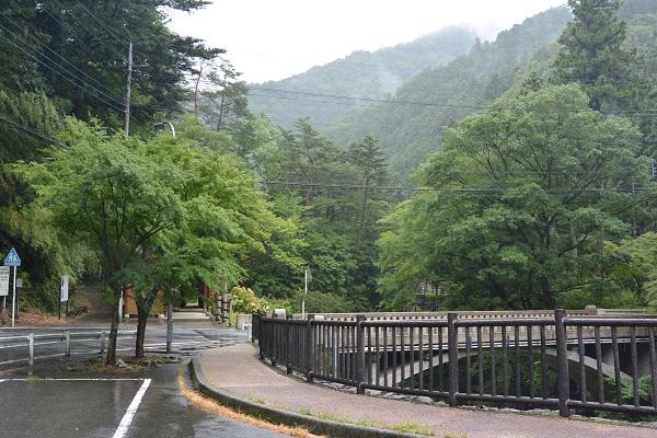 蝉の渓谷 駐車場