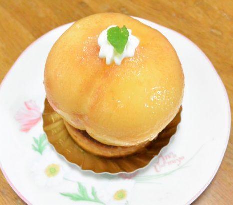 パティスリーリュパン 丸ごと桃のタルト