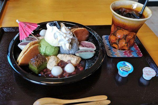 町家カフェ太郎茶屋鎌倉 鎌倉贅沢パフェ