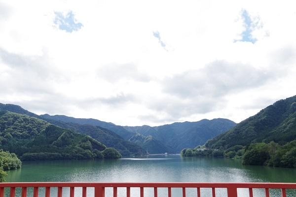 草木ダム 景色