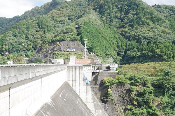 草木ダム ダム