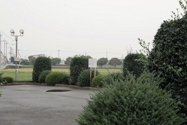 小泉稲荷神社 駐車場