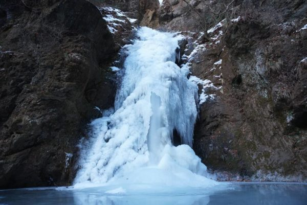 吾妻郡 観音山不動の滝
