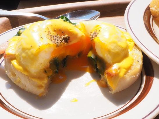 Eggs 'n Things エッグベネディクト