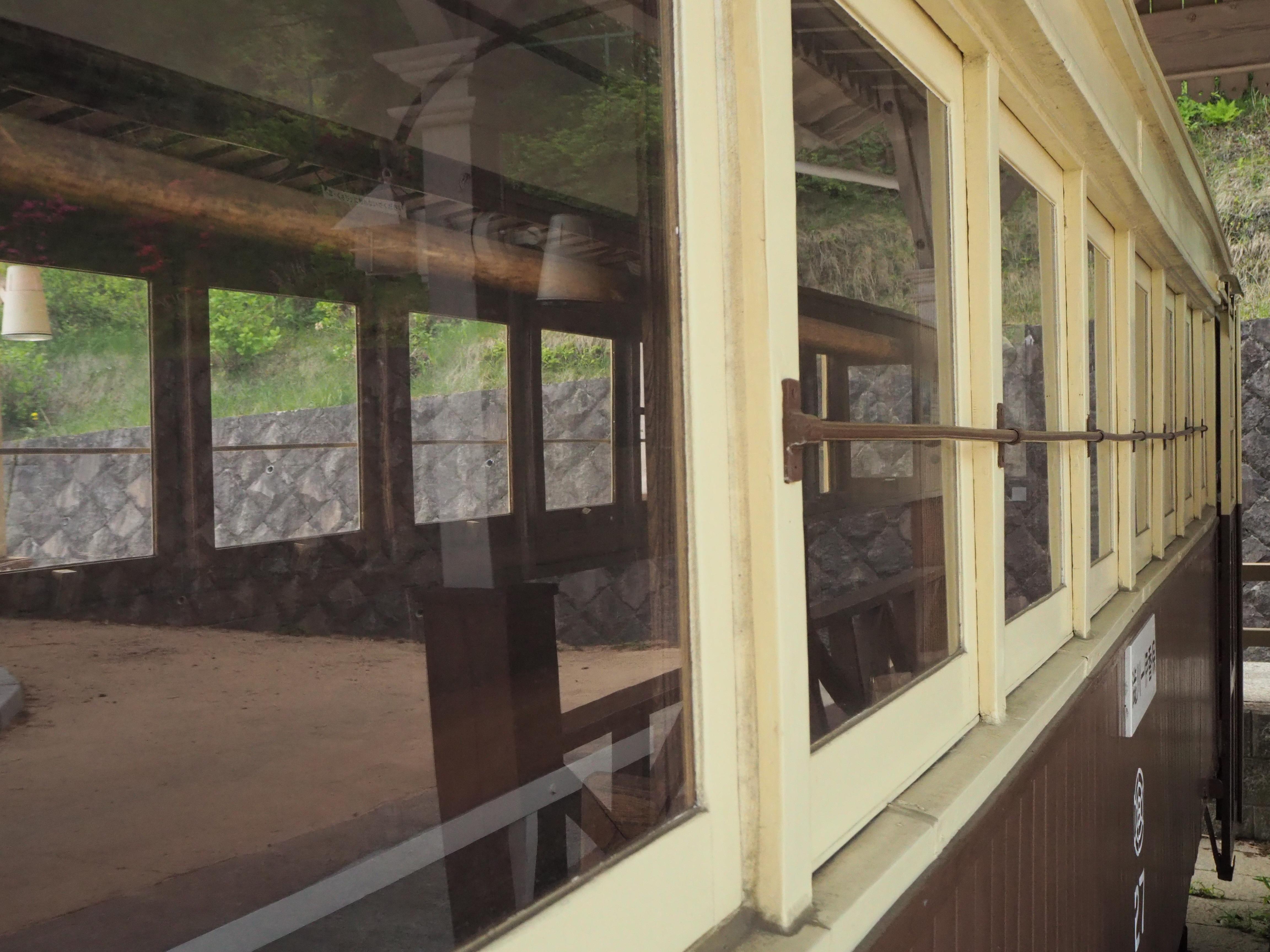 チンチン電車 窓