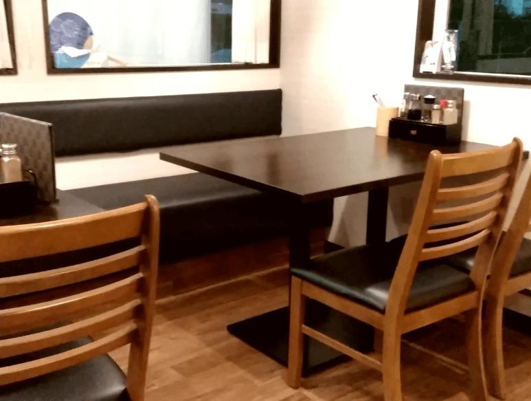 ラーメン恵比寿 テーブル