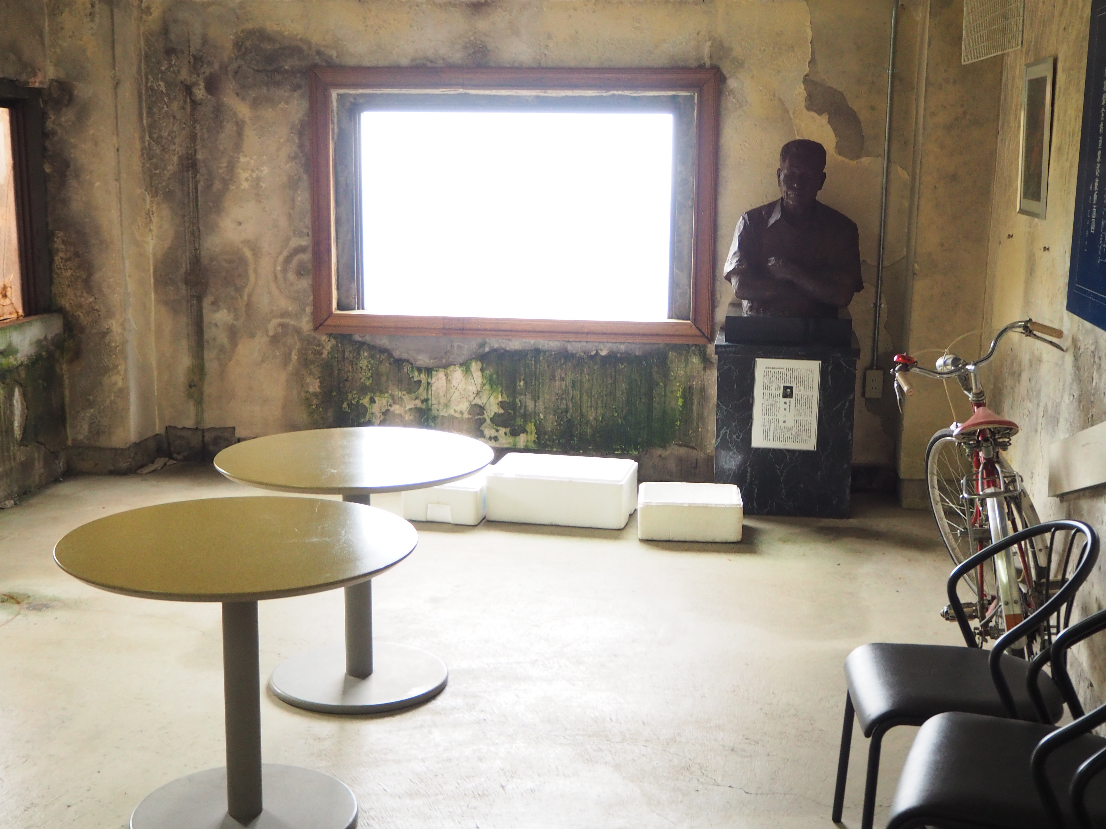 丸テーブル 2台