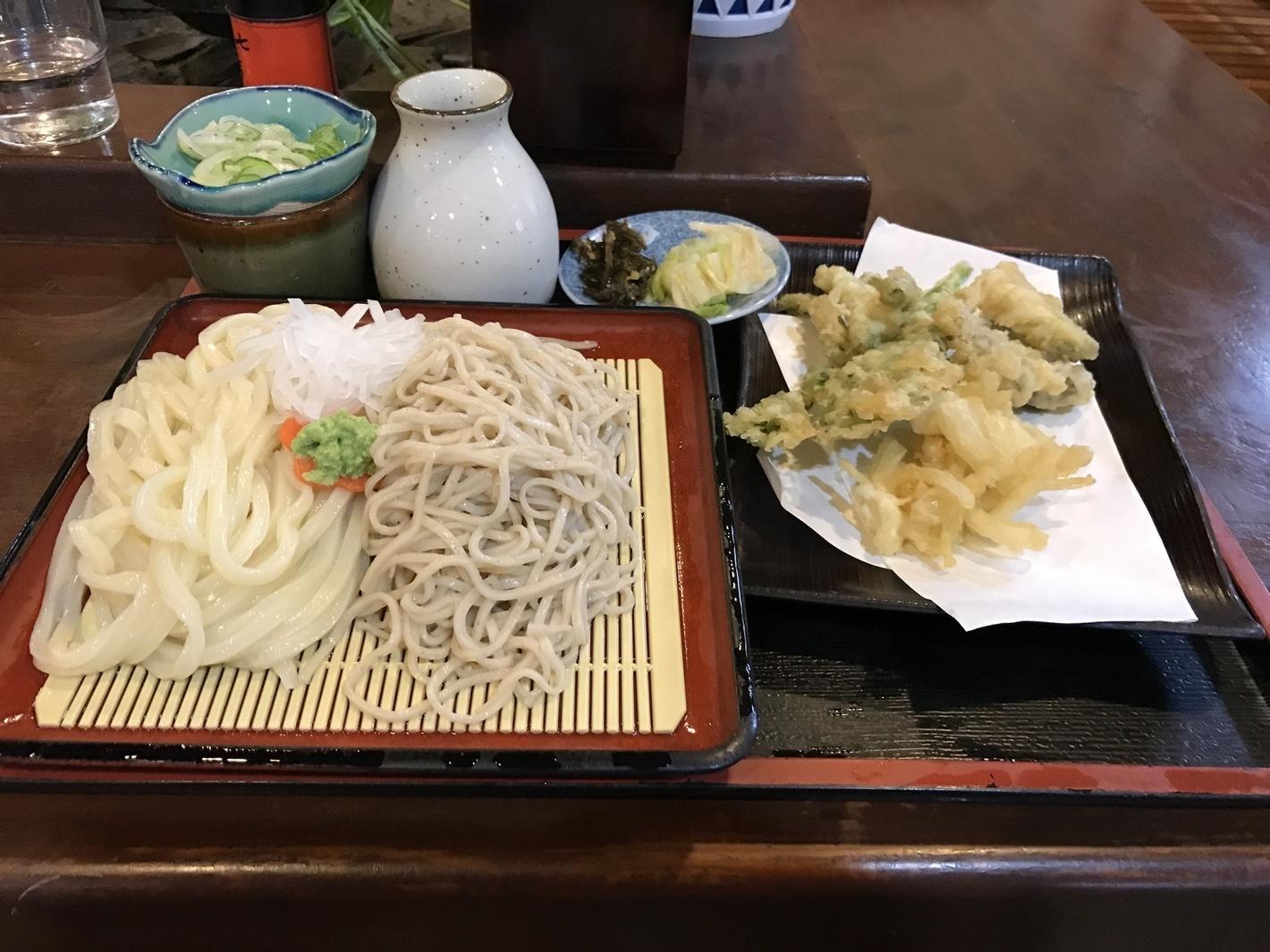 山菱屋 合い盛りと野菜天ぷら付