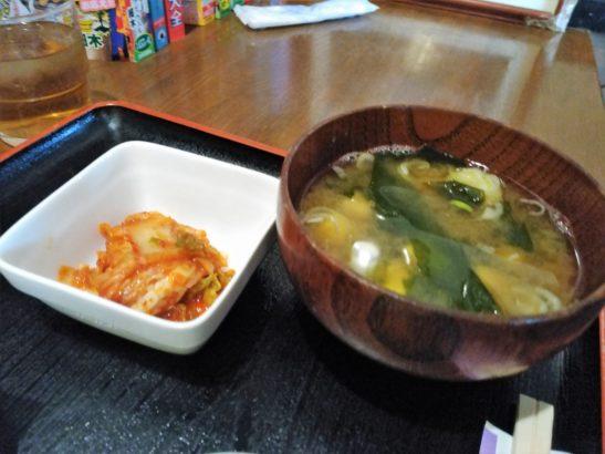 えびすこ本場所 お味噌汁とキムチ