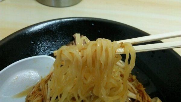 松島軒 ラーメンの平打ち麺