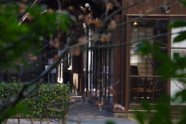 旧井上房一郎邸 庭園から見える旧井上房一郎邸