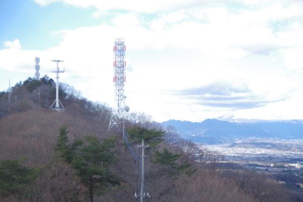 牛伏山自然公園 電波塔