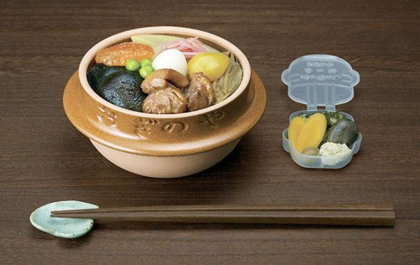 横川サービスエリア上り フードテラス「たびーとキッチン」・お持ち帰り用の峠の釜めし