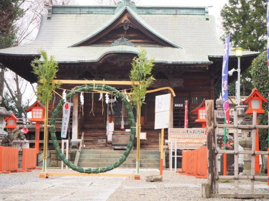 尾曳稲荷神社 本殿と茅の輪