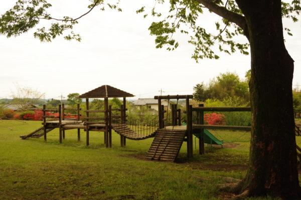 山上城跡公園 芝生広場の遊具