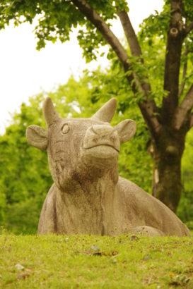 山上城跡公園 牛の像