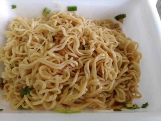 ペヤング豚脂 麺