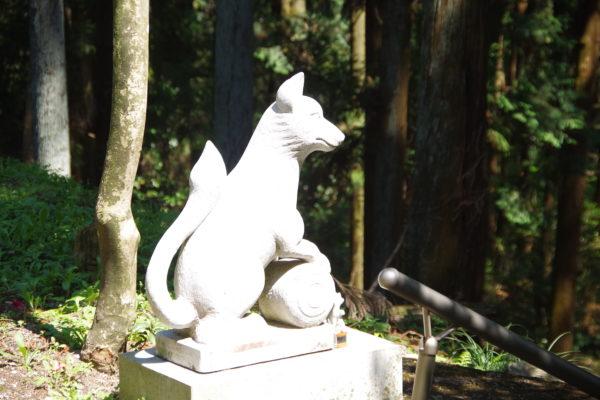 矢背負稲荷神社 石像
