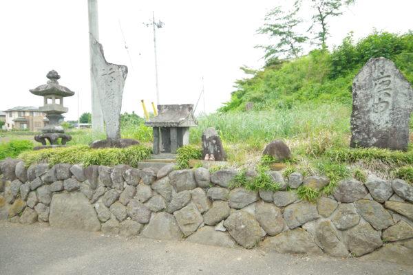 保渡田薬師古墳 石像