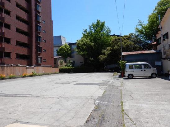 鉢の木七冨久 駐車場