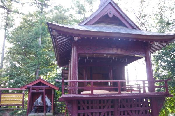 烏子稲荷神社 神楽殿