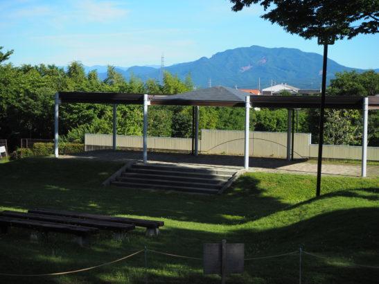 愛宕山ふれあい公園 噴水広場 ステージ