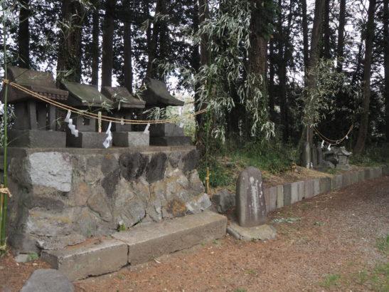 三宮神社 石の祠