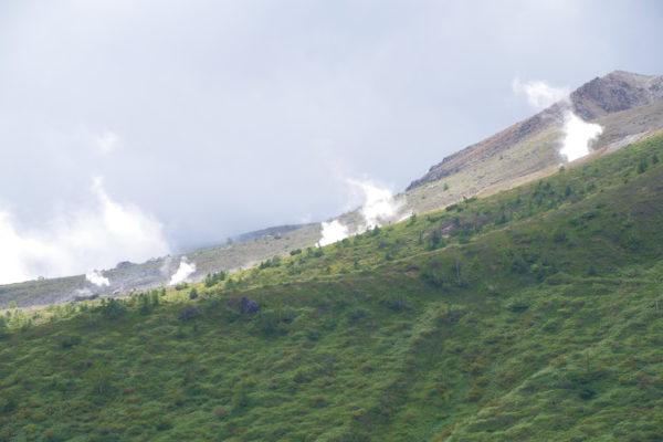 渋峠 渋峠ホテル 白根山の噴煙