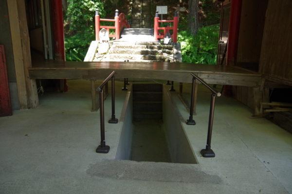 中雀門下にある廊下をくぐる通路 迦葉堂 迦葉山 弥勒寺 沼田