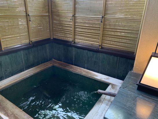 香雲館露天風呂蓋開