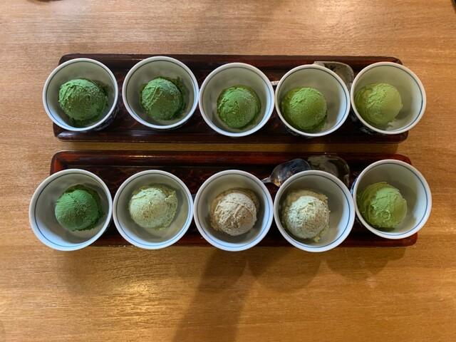 利きジェラート5点盛りとお好み5点ジェラート 茶フェ ちゃきち 富岡市