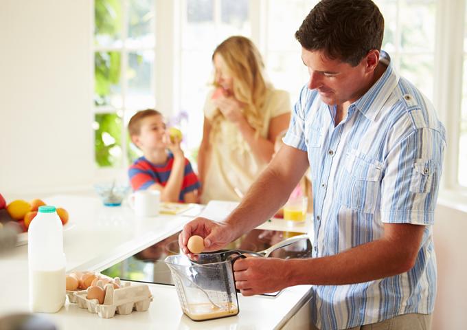 共働き世帯 割合 貯金