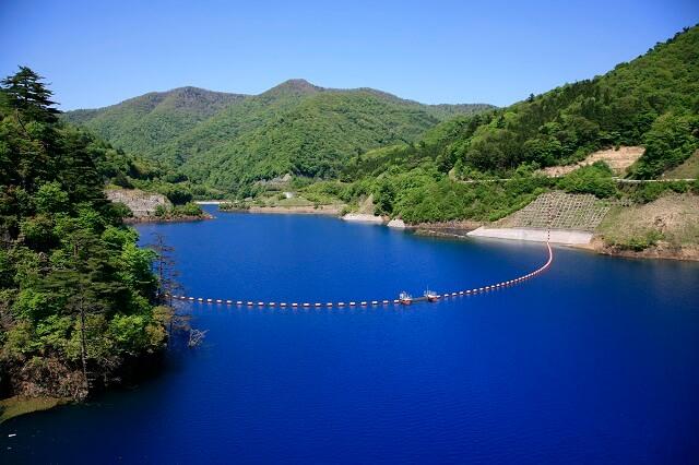 奥四万湖 四万ブルー 四万温泉 観光スポット