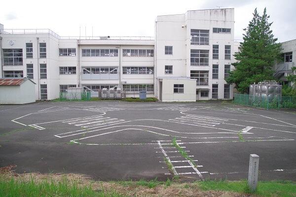 桐生市 小林の天神古墳 新里中央小学校